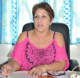 La ingeniera María del Carmen León reconoce la flexibilidad tecnológica del central de Tuinucú.