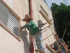 En una primera etapa del proyecto se logró la reparación de la fachada del centro hospitalario.