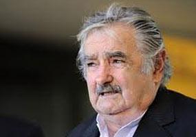 Lo primero que necesita Venezuela y toda América Latina es ser respetada, subrayó Mujica.