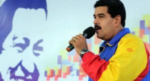 Maduro se reunió con integrantes de las Organizaciones Bolivarianas de Estudiantes en el Poliedro de Caracas.