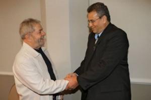 Gustavo Rodríguez Rollero junto a Luiz Inácio Lula da Silva en Brasil.