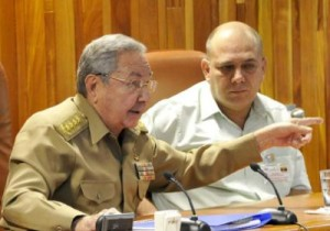 Raúl aseguró que en ningún momento se afectará la atención médica al pueblo cubano.