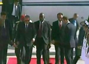 Raúl a su llegada al aeropuerto internacional de Maiquetía, en el estado de Vargas.