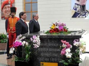 En el Cuartel de la Montaña, Raúl rindió un homenaje sencillo, íntimo y profundo a su amigo Chávez.