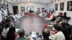 Maduro sostuvo un encuentro con gobernadores, alcaldes y su equipo ministerial en pleno.