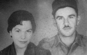 Con su esposa Tomasa del Pino, ya fallecida, también combatiente del Ministerio del Interior.