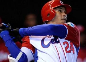 Cepeda será el primer cubano en activo que se inserta en las Grandes Ligas japonesas.