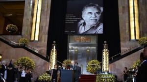 México despidió a García Márquez con una lluvia de flores amarillas. Foto AFP