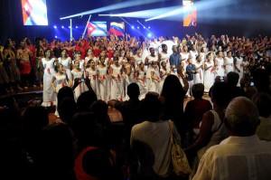"""Cierre del concierto """"Vamos juntos a construir la paz""""."""