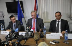 Christian Leffler (C) aseguró que hay mucho potencial para incrementar los vínculos de la Unión Europea con Cuba.