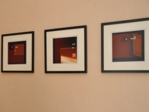 La sala expositiva Fayad Jamís de la Uneac en Sancti Spíritus exhibe muestras colaterales del evento. (foto: Vicente Brito)