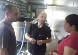 Especialistas polacos y espirituanos asesoraron el montaje del equipamiento tecnológico de la minindustria.