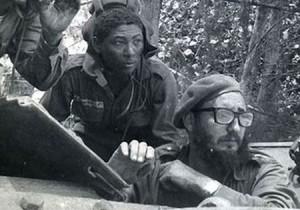 Fidel dirigió la batalla sobre el terreno y no cesó de golpear los puntos neurálgicos de la brigada mercenaria. Foto: Archivo de JR