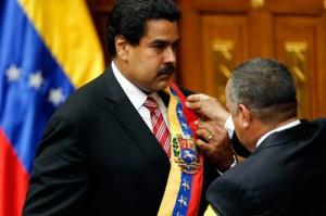 Maduro fue juramentado por el titular de la Asamblea Nacional, Diosdado Cabello (Foto: Archivo Telesur)