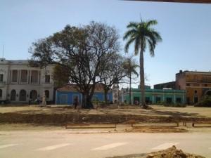 Este martes quedaron enterradas las última de las evidencias arqueológicas halladas en el parque Serafín Sánchez.