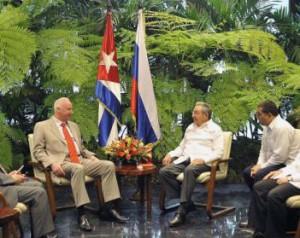 Raúl Castro y Alexander Ivanovich Bastrykin abordaron aspectos de las tradicionales relaciones de amistad entre ambos países.