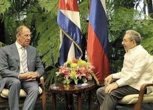 Raúl y Serguei Lavrov intercambiaron sobre la actualidad internacional.