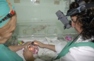 A los niños con riesgo de padecer la enfermedad se les realiza un seguimiento estricto.