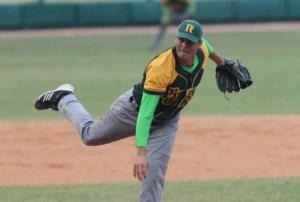 Yosvany Torres abrió y ganó el juego del Campeonato para Pinar del Río.