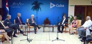 El Presidente de la Cámara de Comercio de EEUU fue recibido en el MINREX por el Ministro de Relaciones Exteriores de Cuba, Bruno Rodríguez Parrilla.