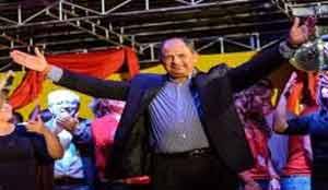 Nuevo presidente de Costa Rica promete gobierno transparente.