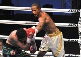 Los cubanos arrasaron con los rusos y accedieron a la final de la Serie Mundial de Boxeo.