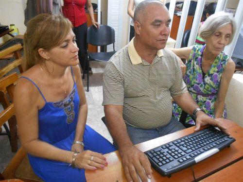 Autoridades del Gobierno municipal y especialistas de Patrimonio dialogaron con los lectores de Escambray. (foto: Aracelia del Valle)