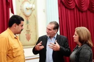 Maduro y René intercambiaron criterios en Miraflores.