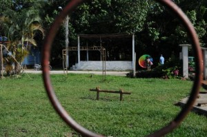 El parque infantil de la localidad de Banao espera por una reparación capital.