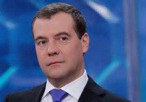 Medvedev tildó de mentira los pronunciamientos de Kiev que niega los problemas humanitarios y la avalancha de refugiados desde Ucrania.