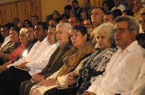 El Comandante de la Revolución Ramiro Valdés Menéndez se encontraba entre los distinguidos invitados a esta ceremonia político-cultural.