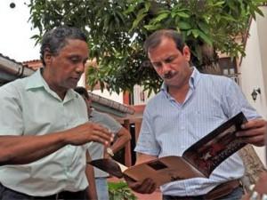 Fernando visitas a sitios de interés histórico, económico y social de la provincia más al este de Cuba.