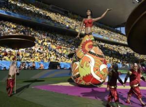 Momentos de la inauguración de la copa mundial de fútbol en Brasil.