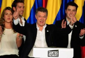 Santos se impuso con el 50,59 por ciento de los votos .
