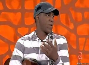 Tony Ávila en un programa de la televisión de Miami.