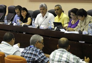 Díaz Canel asistió a los debates de la comisión de Educación, Cultura, Ciencia, Tecnología y Medio Ambiente. Foto: AIN