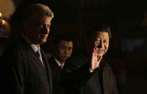 El presidente chino arribó en la noche de este lunes  a Cuba, donde fue recibido por Díaz-Canel. Foto Cubadebate.