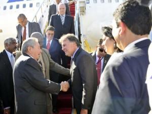 Momento de la llegada de Raúl a Brasil este miércoles. Foto: Estudios Revolución.