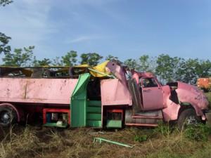 Según investigaciones preliminares, el chofer perdió el control del vehículo al quedarse dormido, en el kilómetro 175 de la Autopista Nacional.