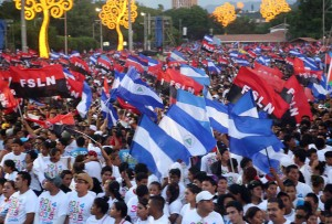 Durante la multitudinaria conmemoración se dio lectura a los mensajes enviados por Fidel y Raúl Castro al presidente Daniel Ortega.