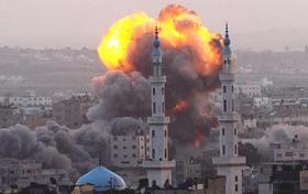 Los  ataques de Israel contra zonas civiles en Gaza han causado casi 900 muertes.