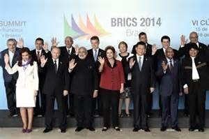 Foto oficial del encuentro entre los líderes de la Unasur y del grupo de países emergentes (Brasil, Rusia, India, China y Suráfrica).