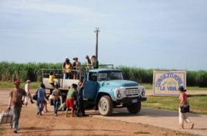 """""""No es una de las comunidades con peor transporte"""", señala el jefe de Tráfico en Jatibonico."""