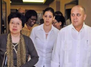 Margaret Chan fue recibida por el ministro de Salud Pública, Roberto Morales Ojeda.