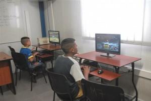 Los niños son uno de los usuarios más asiduos a estas instalaciones. (foto: Vicente Brito)