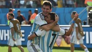 Messi y Di Maria combinaron su genialidad para concretar el gol que dió el triunfo a Argentina.