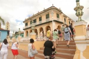 El principal objetivo de estos recorridos es mostrar toda la riqueza de la ciudad museo del Caribe.