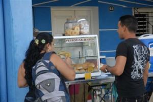 Entre las opciones más demandadas están los paladares y otras formas de venta de alimentos.