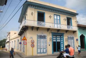 La casa de las cien puertas fue primer museo fundado por la Revolución en el centro de Cuba.