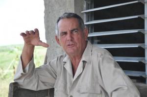 Agustín Quesada pondera la vida tranquila del caserío.